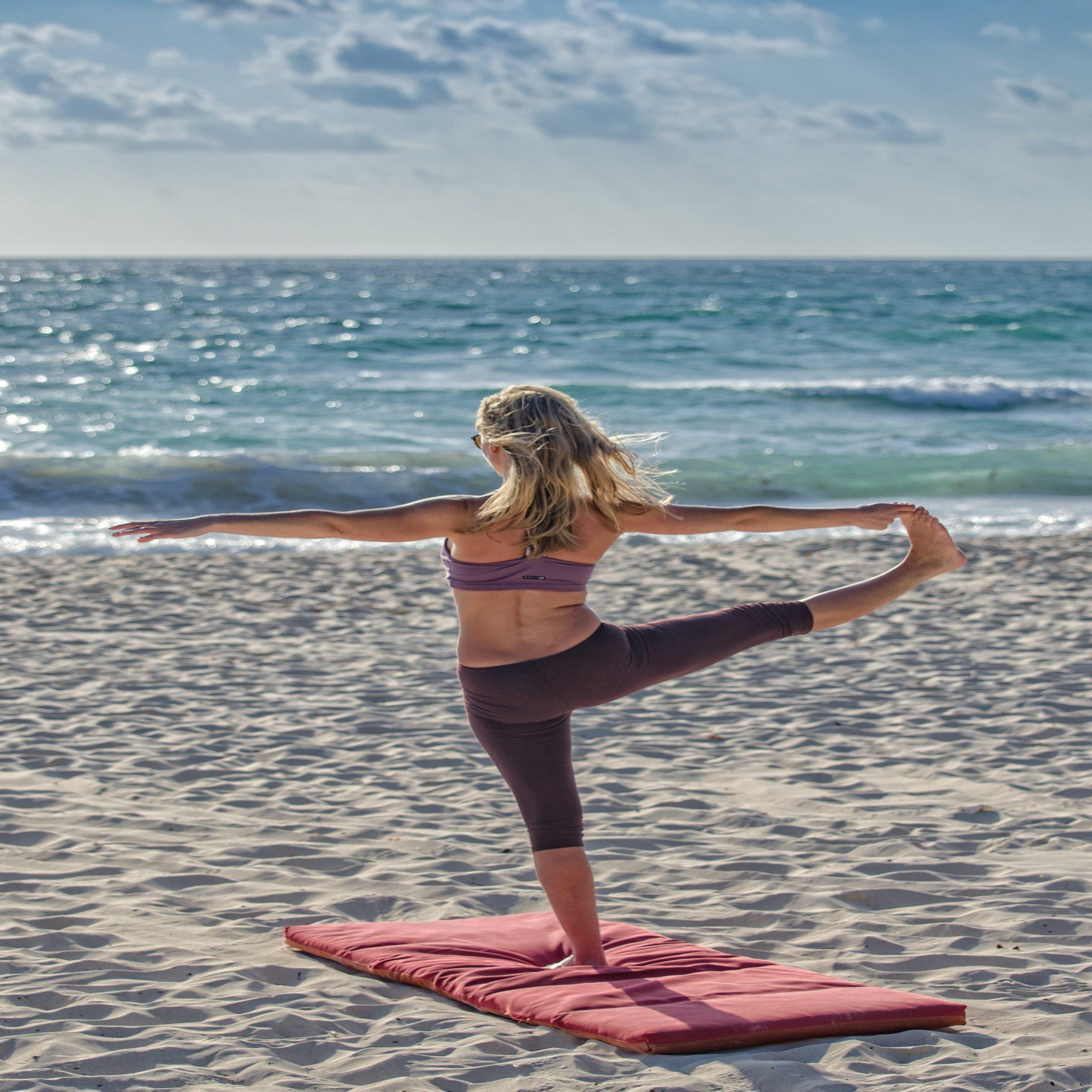 beach-sand-relaxation-sunshine-68468